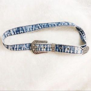 Vtg denim acid wash belt with silver accents